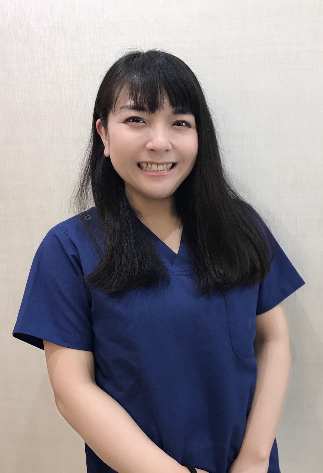歯科医師 岡田怜子